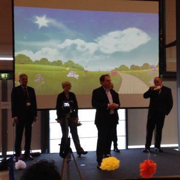 Das Foto zeigt die Referenten in der Abschlussrunde.