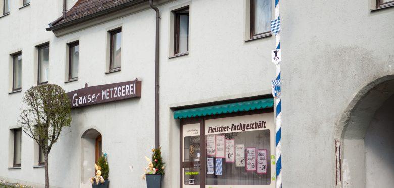 Das Foto zeigt einen Dorfladen.