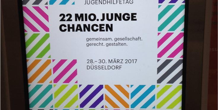 """Logo des 16. Kinder und Jugendhilfetages mit Aufschrift """"22 Millionen Chancen: gemeinsam gesellschaft gerecht gestalten""""."""