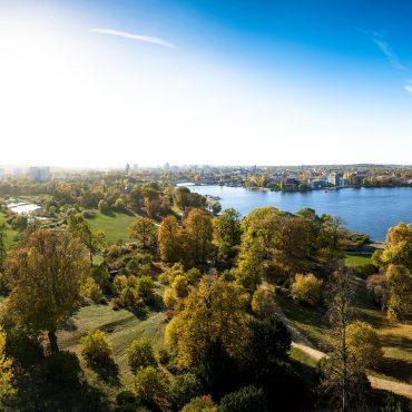 Blick aus der Vogelperspektive auf Potsdam bei Sonnenschein