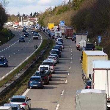 Autos auf der Adutobahn